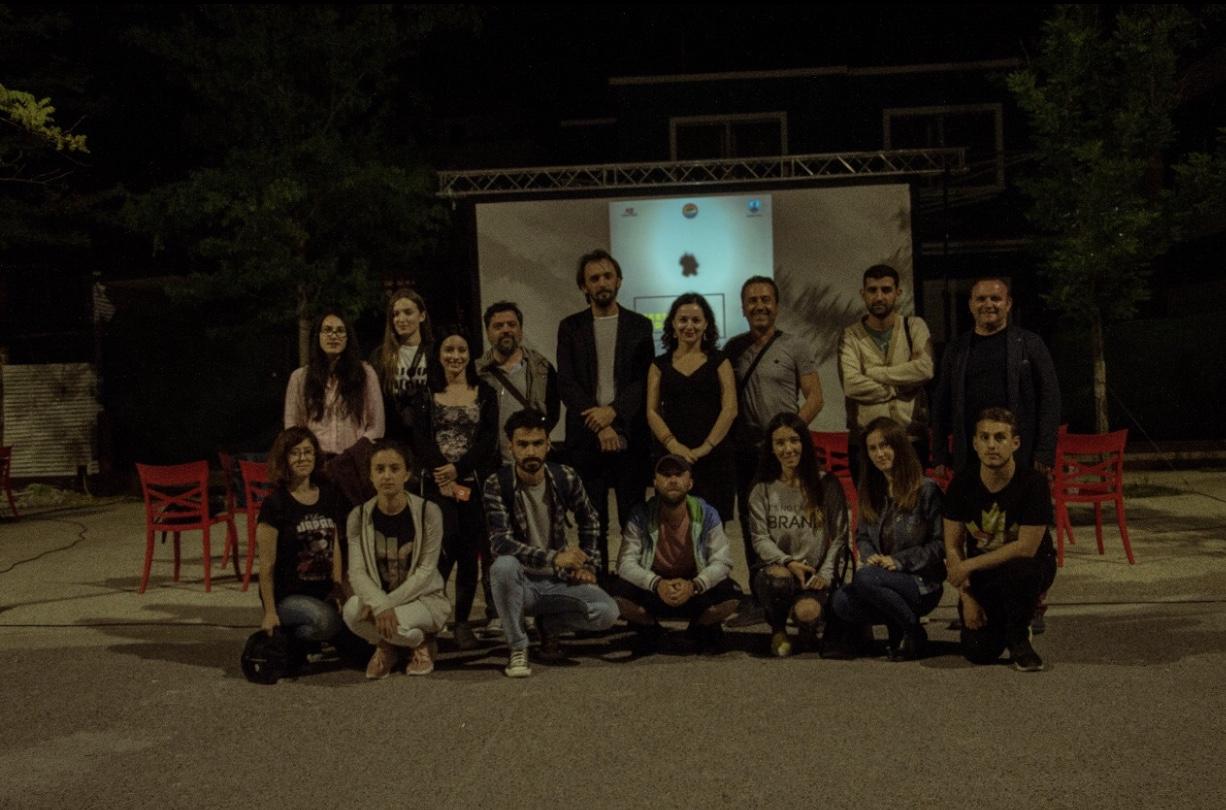 """Grupi i studentëve dhe pedagogëve pjesëmarrës ne projektin """"Multimedia"""""""